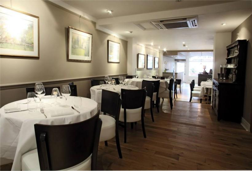 Acciuga-ristorante-Londra-sala-820x558